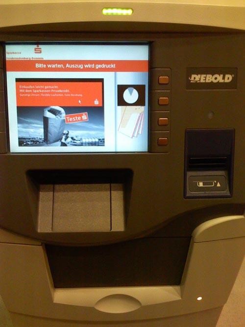 Ein Diebold-Kontoauszugsdrucker versucht, Kontoauszüge zu drucken
