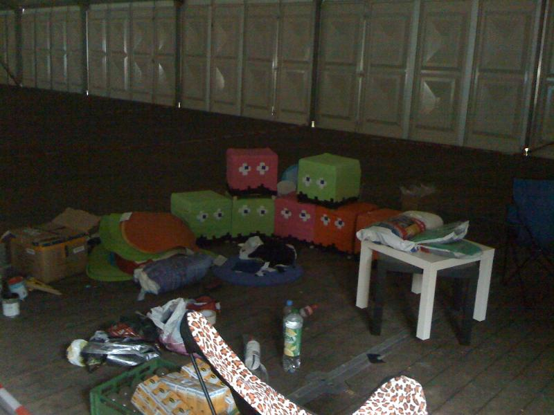 HAR 2009, Sitzgelegenheiten im Aufbau