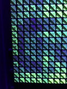 Flipdot, multichromatisch, Detail